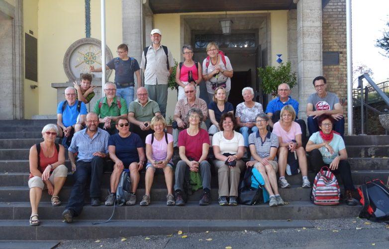 Wandergruppe auf dem Hildegard von Bingen Pilgerwanderweg